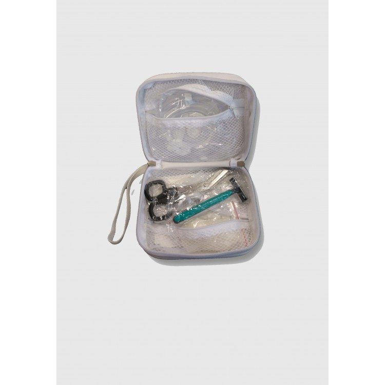 kit first aid defibrillatore